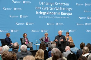 An emotional first panel with Arno Surminski participating - inspiring Haris to write this article. (Foto: Körber-Stiftung / David Ausserhofer)