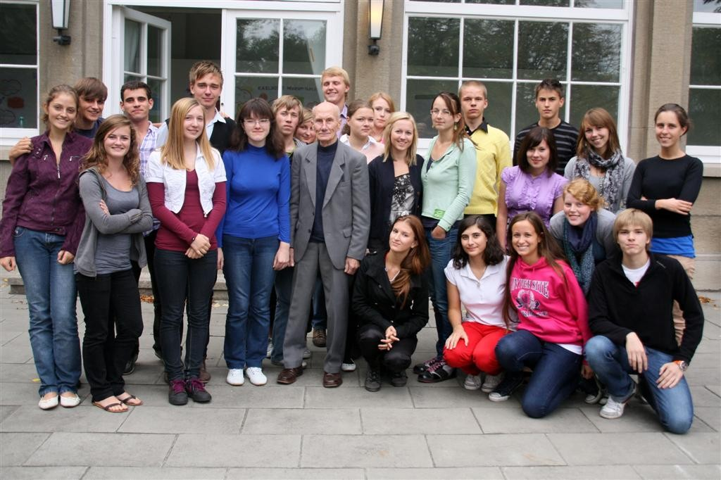 Mr Netto and participants of the Eustory Seminar (Photo Tina Gotthardt)