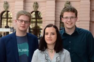 Haris Huremagić, Milena Tatalovic and Gregor Christiansmeyer participating in the Rememberance Day. (Foto: Körber-Foundation/David Ausserhofer)