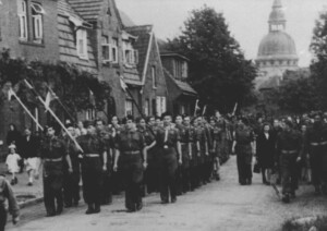Group of Polish Scouts in front of the Saint Martinus Church in Haren. (Source: Archive A. Sekowska)