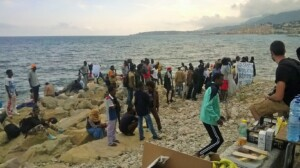 Migrants who are trying to cross the border to France near Ventimiglia (Italy) - being pushed back by French authorities. (Photo: Francesca Lodovici)