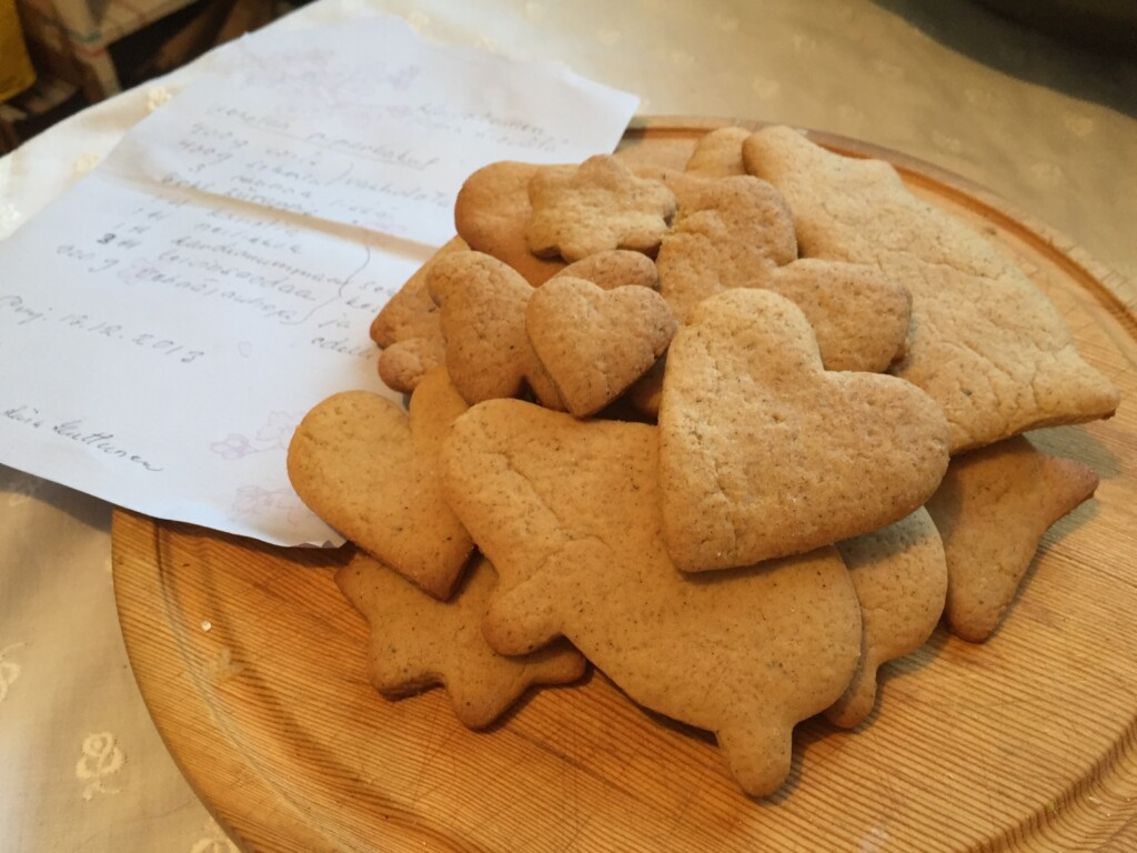 Gingerbread - with the rediscovered recipe, of course hand-written again! (Photo: Anna Sievälä)